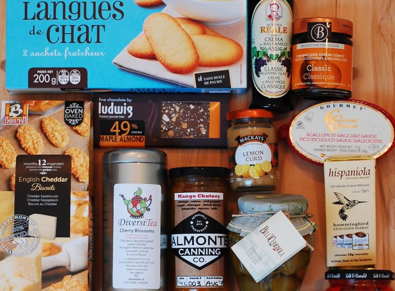 Almonte gift basket The Indulgence
